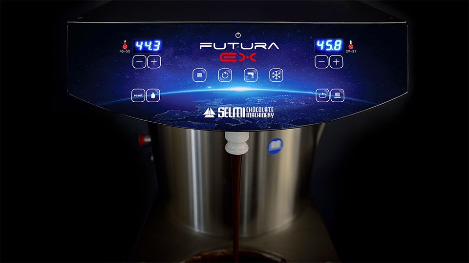 Continuous chocolate tempering machine Futura EX: vibrant table and injection plate
