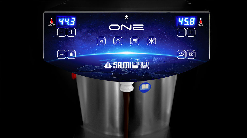 Continuous chocolate tempering machine Selmi One: control panel